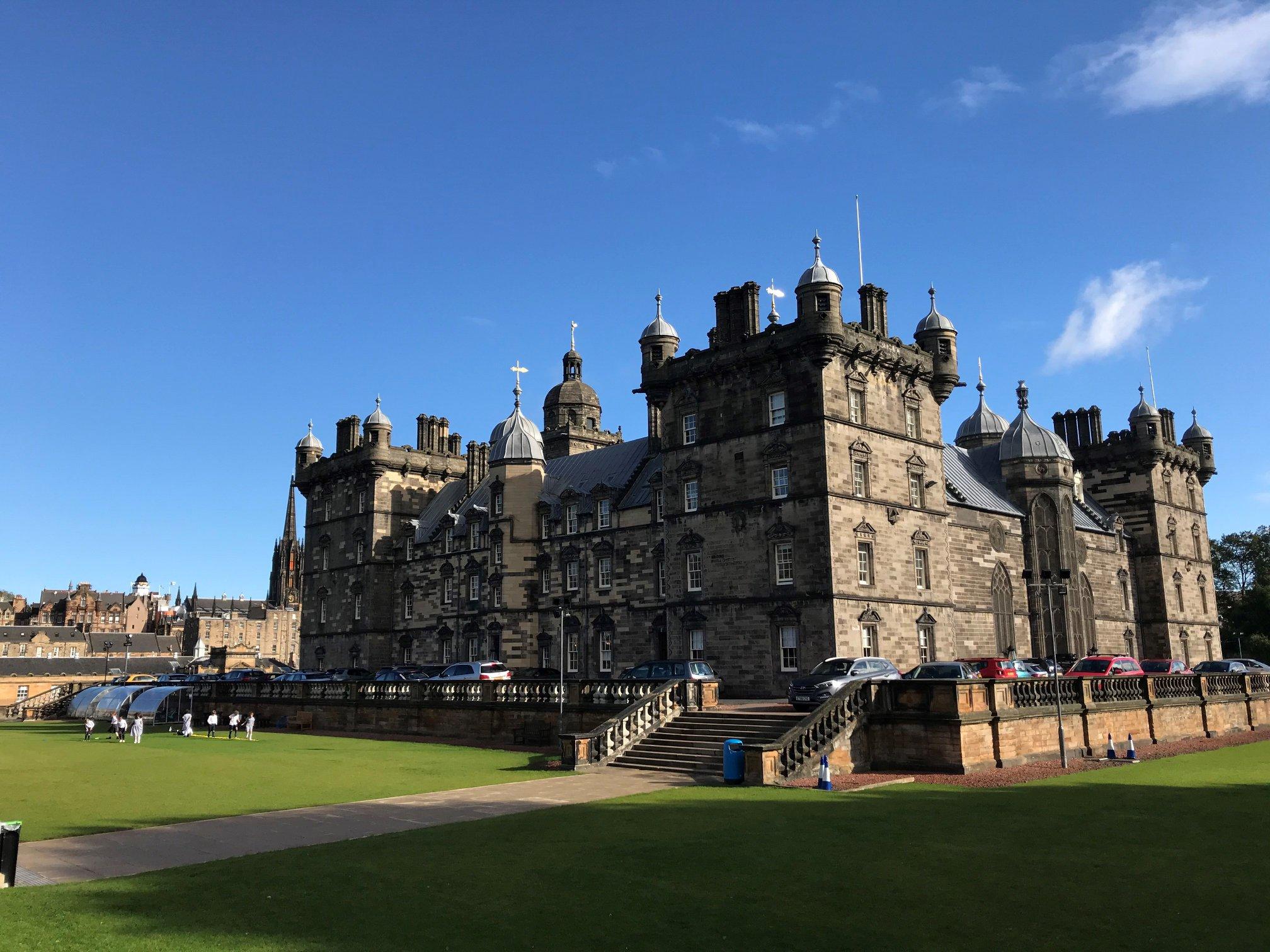George Heriots School in Edinburgh looks like Hogwarts   Inspiring Travel Scotland